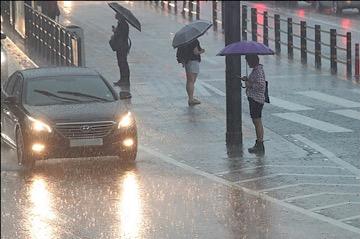[내일 날씨] 천둥·번개 치고 강한 비