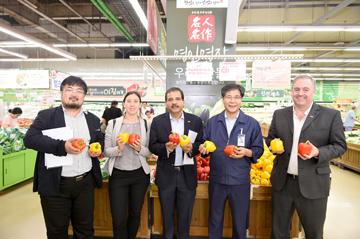 아리엘 구아코 국제협동조합연맹(ICA) 회장, 농협유통 하나로마트 방문