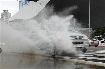 [내일날씨] 태풍 '프란시스코' 영향…남부지방 거센 비·바람
