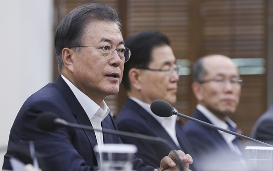 文대통령 지지율 46.7%로 하락…부정평가 47.4%