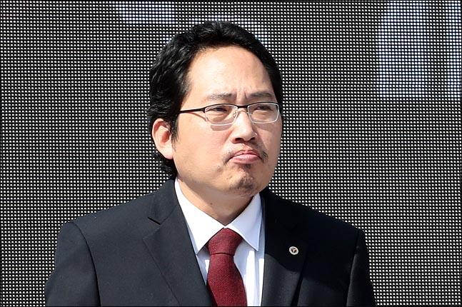 """의사협회장 """"조국 딸, 논문 제1저자?…연구윤리 위반"""""""