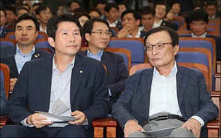 '사법개혁 띄우기' 돌입한 민주당…꽉 막힌 정국 '플랜B'는?