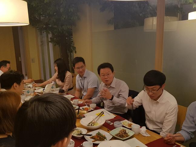 김광수 농협금융 회장, 청년이사들과 '깜짝 미팅'