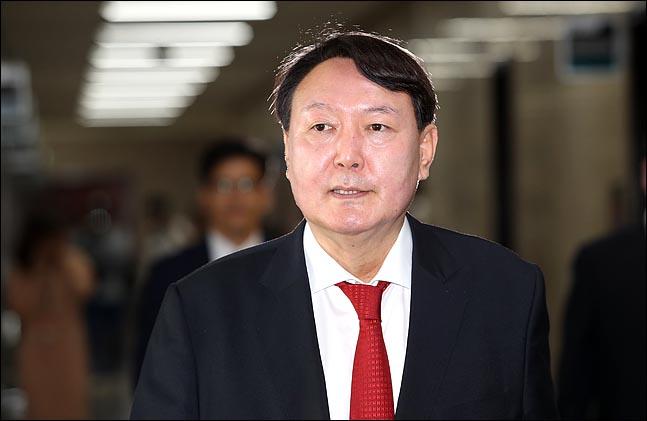 """윤석열 """"국정농단 중대한 불법 확인···상응한 형 선고에 최선"""""""