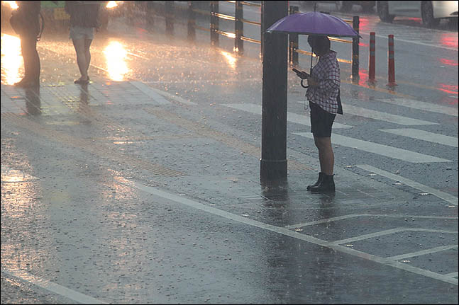 [내일날씨] 중부지방에 큰 비…일부 지역 최대 300㎜
