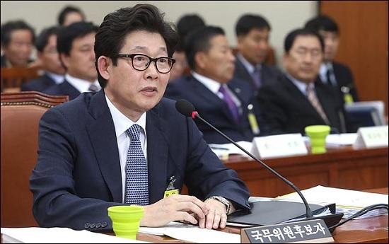 """조명래 환경부 장관, '후쿠시마 오염수 방류' 발언 비판…""""日 책임감 보여야"""""""