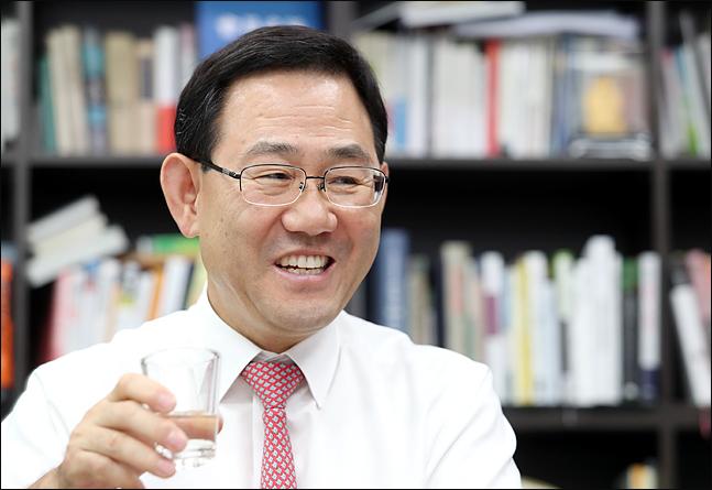 """[중진에게 듣는다·下] 주호영 """"文정권은 '독화살'…뽑아내는게 급해"""""""