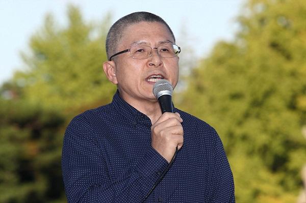 삭발 후 '대권 의지' 불태우는 황교안
