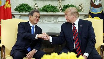 """文 """"韓기업 미국 투자"""" 트럼프 """"최대 군사장비 구매국"""""""