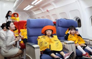 제주항공, 아동 대상 '항공안전체험교실' 개최