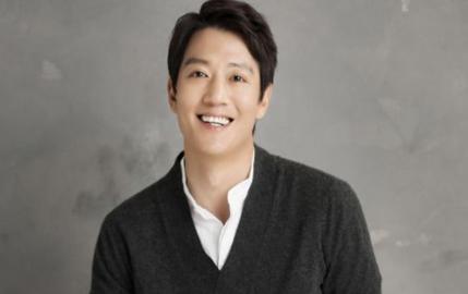 """[D-인터뷰] 김래원 """"나이 들어도, 내 연애 세포는 ing"""""""