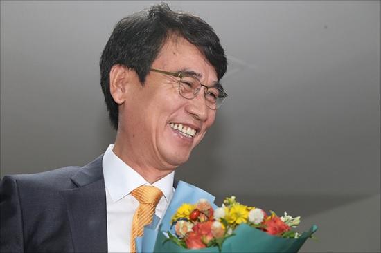 """유시민, 조국 도우려다 '뭇매'…""""법원 압박하나"""""""