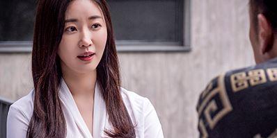 '퍼펙트맨' 김사랑, 각 잡는 변호사로 완벽 스크린 복귀