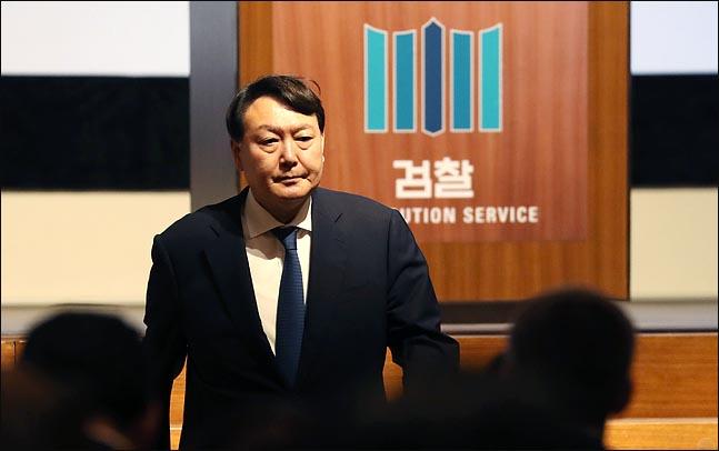"""안민석·이종걸, '윤석열 낙마' 공론화…""""내려와라"""""""