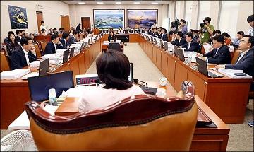 [기업 옥죄는 규제-2] 신산업 장려해도 모자랄 판에…공유경제, 규제에 발목 잡혀