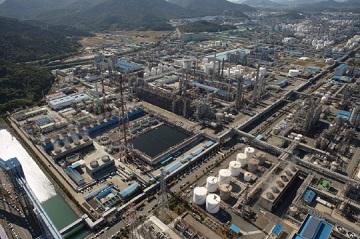 석유화학 CEO 국감 줄소환, 조선‧철강업계는 안도