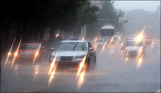 [내일날씨] 전국 구름 많고 일부 지역 비…미세먼지 '보통'