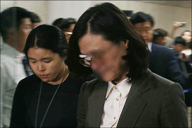 정경심, 영장실질심사 마치고 서울구치소로 이동