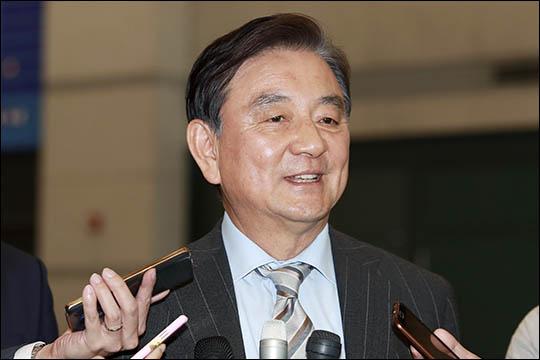 [단독] 홍석현 '제3지대 신당' 구심점 맡나…대안신당·평화당 의원들과 회동
