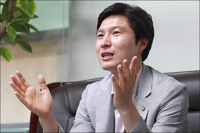 """김해영 """"비례후보 30%이상 청년으로 추천하자"""""""