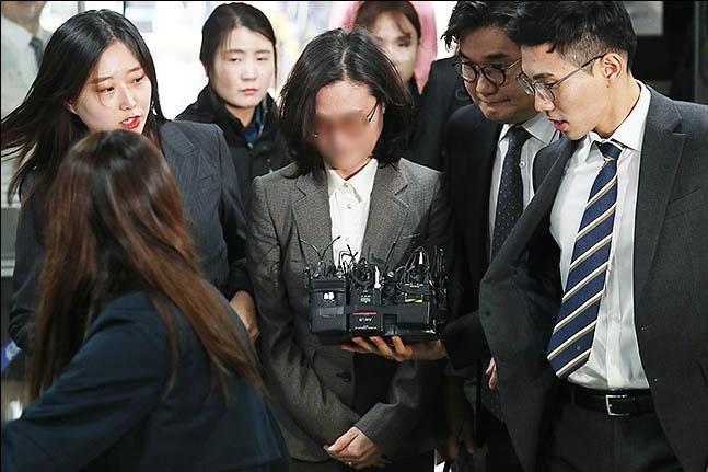 정경심, 구속 후 두 번째 검찰 조사···조국 다음주 소환되나