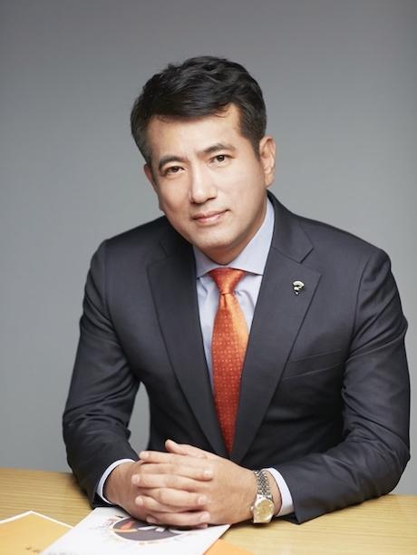 """[CEO가 뛴다-111] 정길호 OK저축銀 대표 """"고객·직원과 더 가까이"""" 소통경영 눈길"""