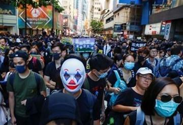 '中 4중전회' 후 첫 홍콩 주말집회…관영 신화통신도 피습