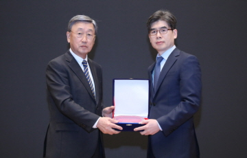 두산연강재단, 두산연강외과학술상에 정재호‧오흥권 교수