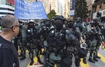 """홍콩 혼돈의 주말… """"200명 체포되고 50여명 다쳐"""""""