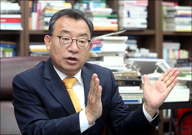 """[인터뷰] 이정현 """"내 정치커리어, 박근혜 전 대통령 '덕' 크다"""""""