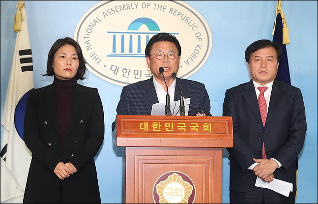 """한국당 '인위적 물갈이' 폭풍…""""현역 절반 이상 교체"""""""