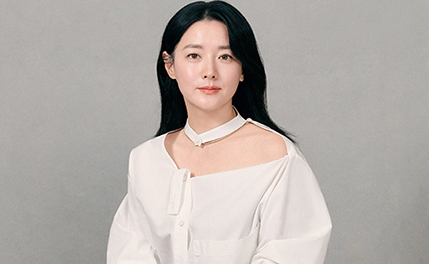 "[D-인터뷰] 이영애 ""'나를 찾아줘' 첫눈에 반한 작품"""