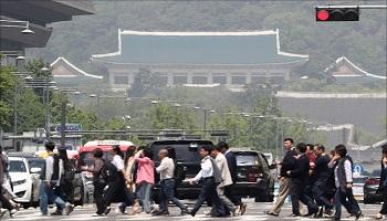 유재수‧황운하를 어쩌나…靑 '조국정국' 빠져나오자 더 큰산