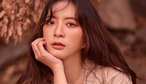 조아영, 몽환적인 눈빛과 주근깨 '신비로운 매력'