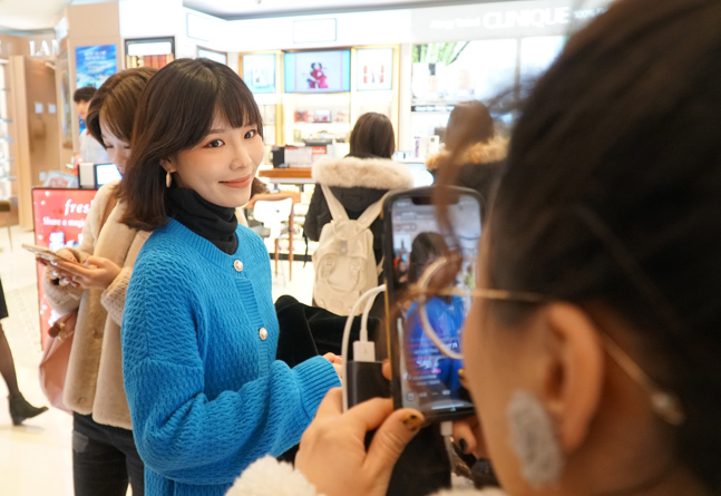 신라면세점, '왕홍 라이브 방송'으로 중국 밀레니얼 세대와 소통 확대