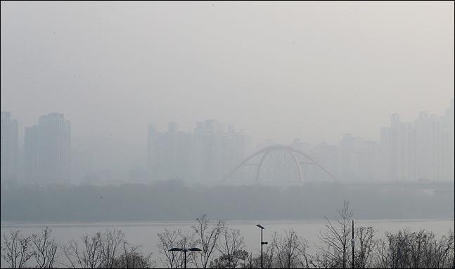 [내일날씨] 추위 가고 미세먼지…일부지역 빗방울