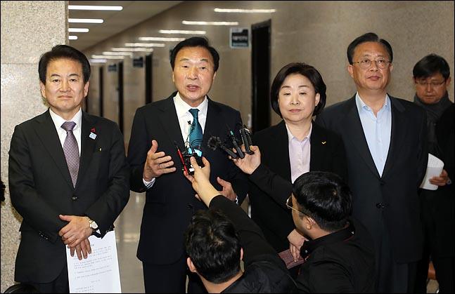 3+1 협의체, 선거법 갈등에 '반(反)민주당 연대' 기로