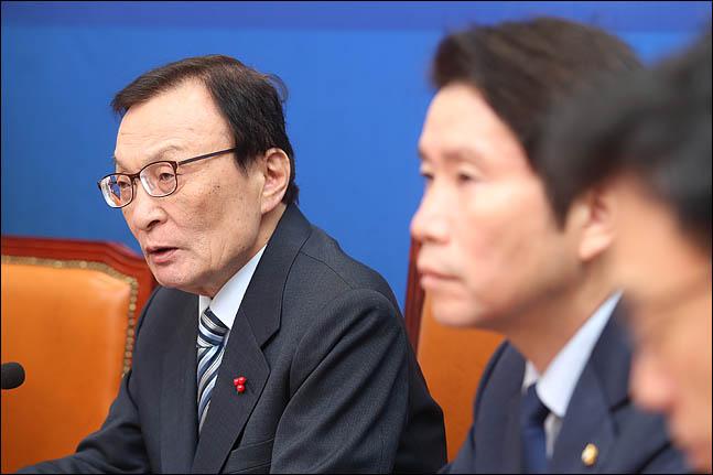 """이해찬 """"예산 부수법안·민생법안 처리가 크리스마스 선물되길"""""""
