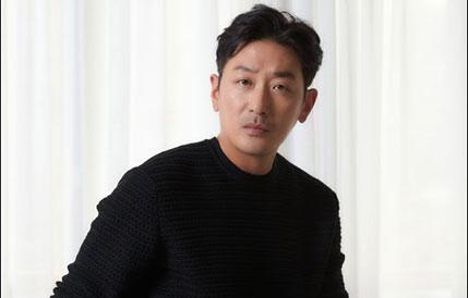 "[D-인터뷰] 하정우 ""이병헌과 호흡, 연기의 맛 느꼈죠"""