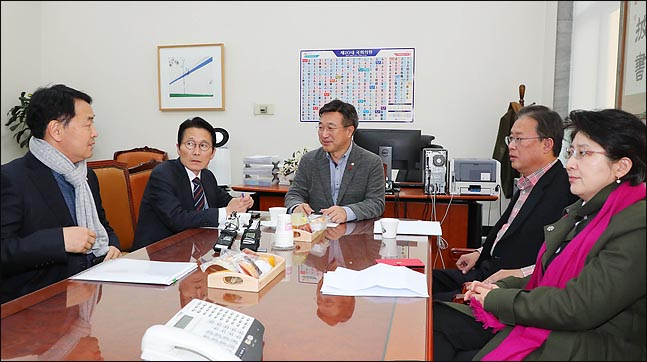 선거구 획정, 호남 1석 늘고 한국당 텃밭 1석 줄 수도