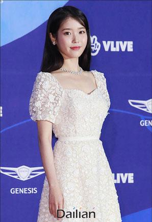 아이유, 이병헌 감독 '드림' 주연…박서준과 호흡