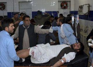 파키스탄 남서부 모스크서 자폭 테러로 최소 15명 사망