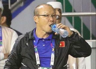'앙숙도 8강' 부담 백배 박항서 감독, 북한전 사활