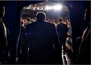 """트럼프, 미국 비난한 이란 최고지도자에 """"말 조심 하라"""" 경고"""