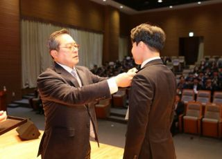"""구자열 회장, 신입사원들에게 """"30년뒤 목표를 세우라"""" 강조"""