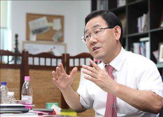 """주호영, 진보 판사들 정치권行 '개탄'…""""법원, 정치꾼들 놀이터 됐다"""""""