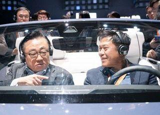 [CES 2020] 삼성전자 부스서 '차량용 콕핏' 탑승한 박정호-고동진 사장
