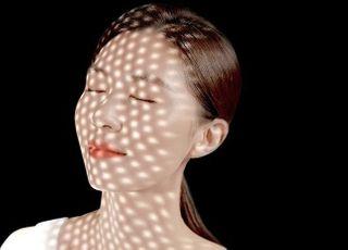 인기 높은 LED마스크, 안심 구매 기준 '유효파장' 주목