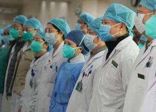 '우한 폐렴' 中의료진 첫 사망…두살배기도 감염