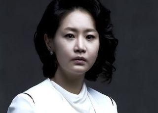신은경, 논란 딛고 6년 만에 스크린 복귀…감성 멜로 '시호'